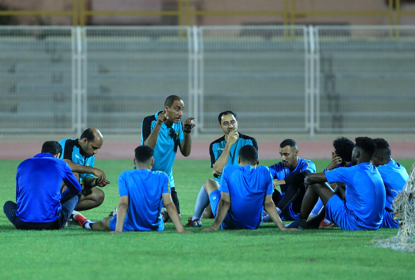 الخليج يجري تدريبه الرئيسي قبل المغادرة لأبها ضمن الجولة 38 والأخيرة لدوري الأمير محمد بن سلمان للدرجة الأولى