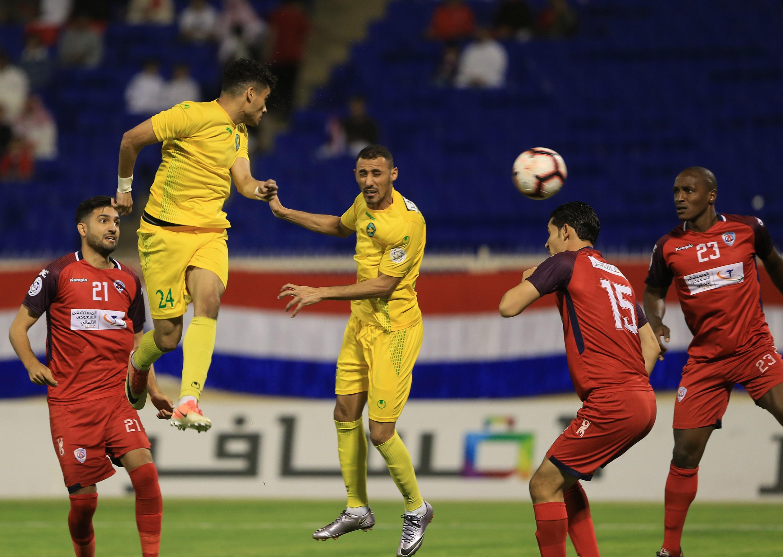 الخليج ينهي دوري الأمير محمد بن سلمان بالتعادل مع البطل أبها ويتأهل لملحق الصعود