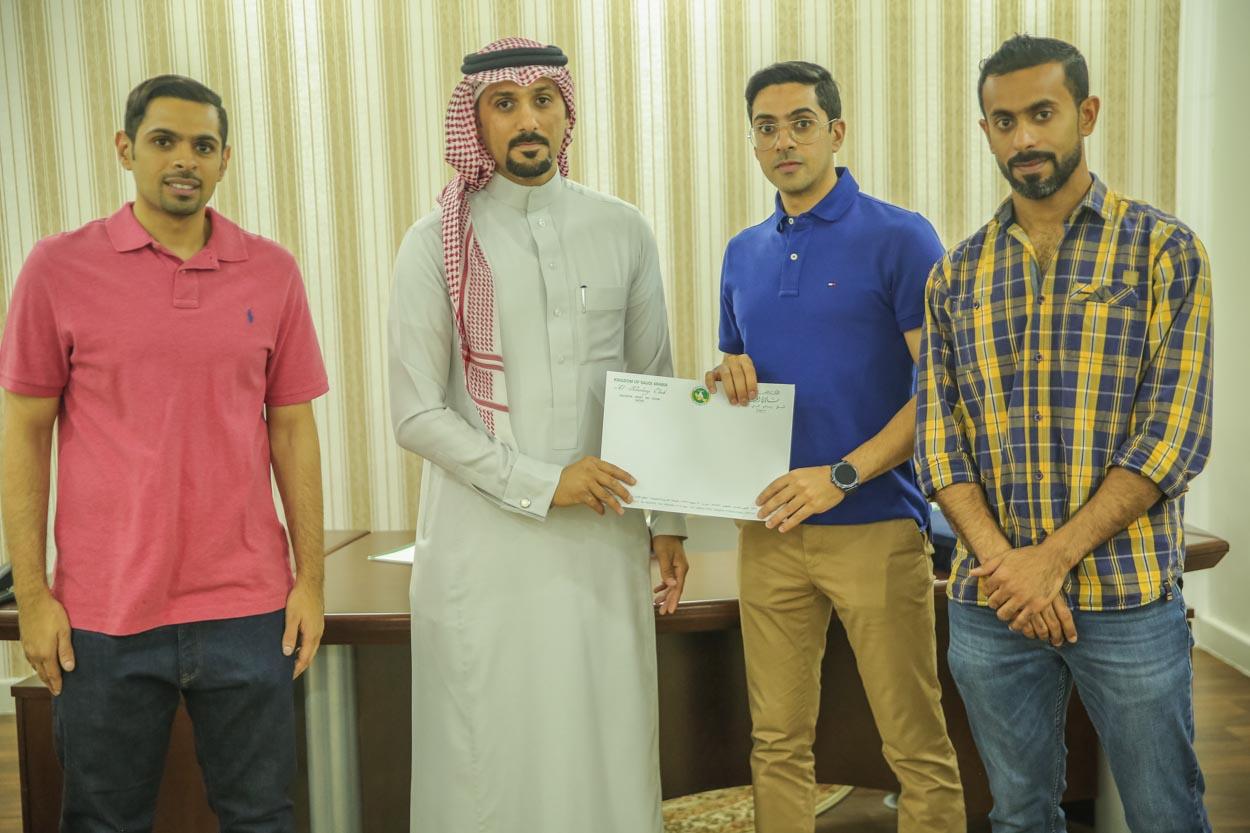 نادي الخليج يوقع مع الفطيرة الساخنة لتشغيل مقهى ومطعم رياضي لمدة 5 أعوام
