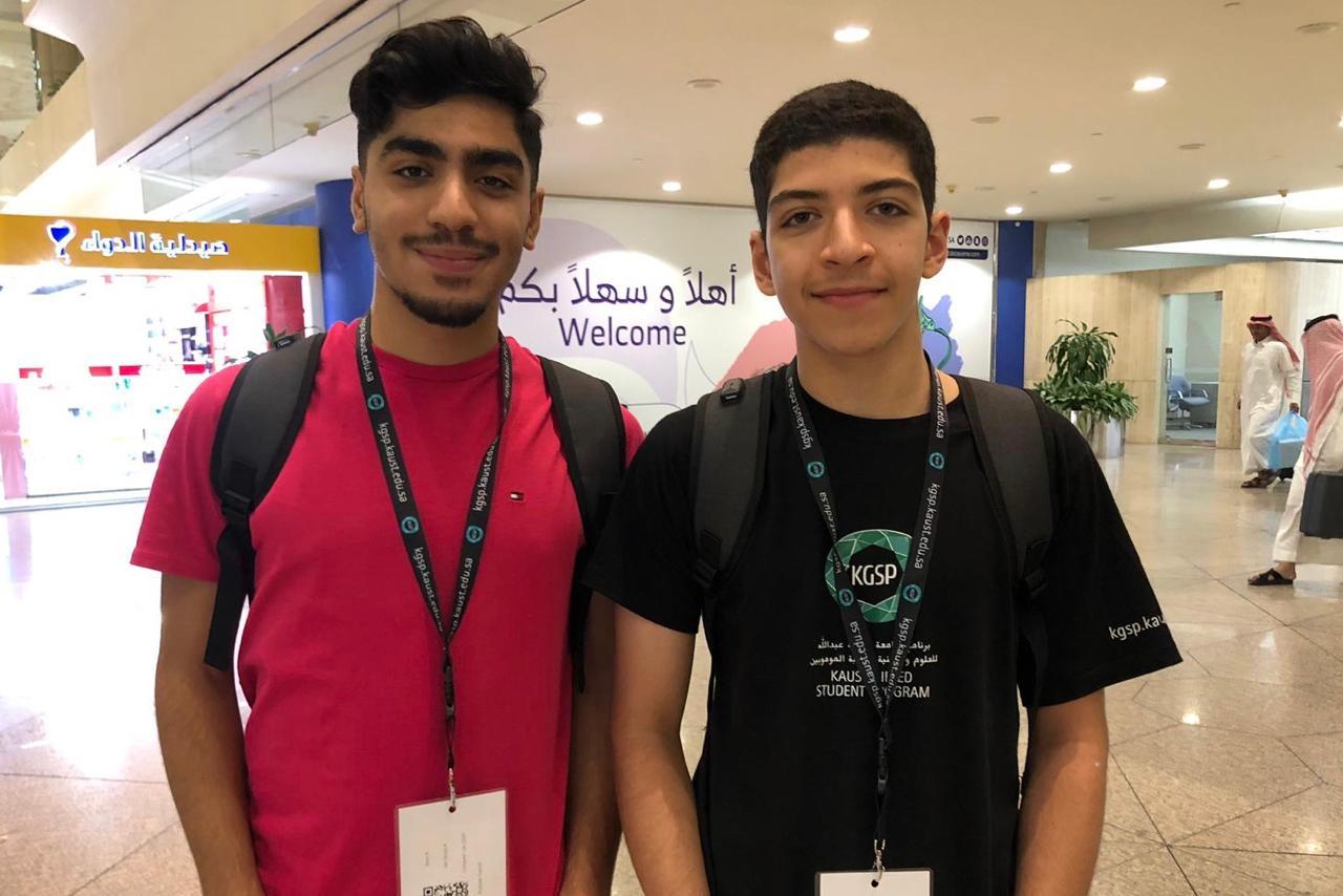 أختيار لاعبا #نادي_الخليج الحمود والشويخات للحصول على منحة دراسية في برنامج رعاية الطلبة الموهوبين بجامعة الملك عبدالله للعلوم والتقنية (KGSP)