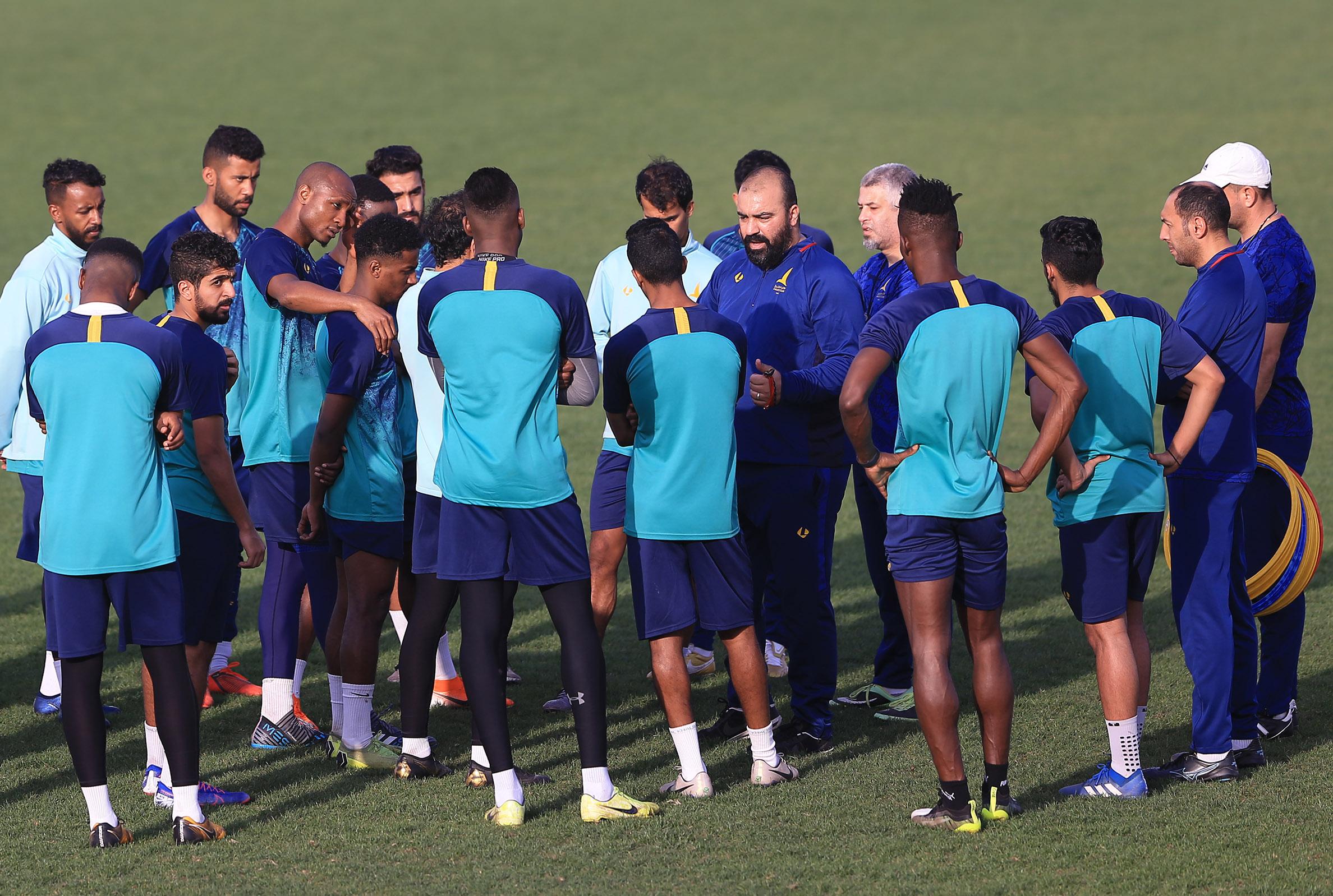 انطلاقة تدريبات الخليج الأحد بقيادة مضوي وضم المعد البدني حسين سعيد