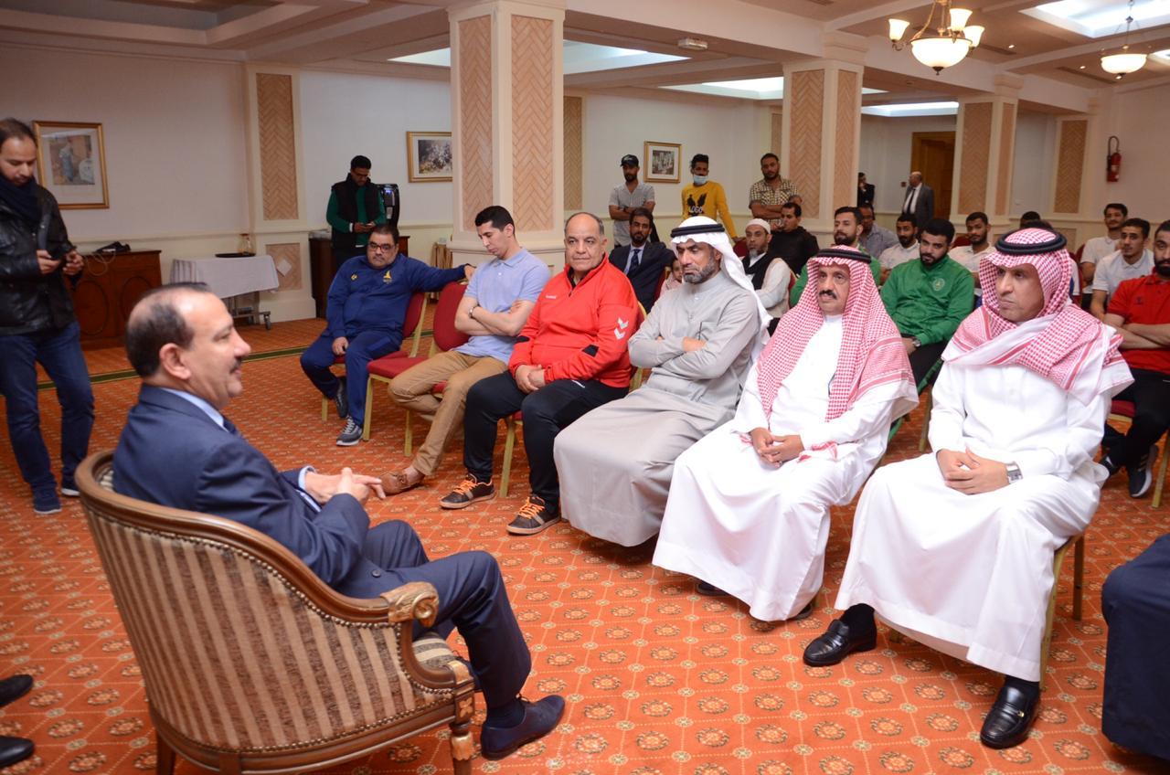 العلي سفير السعودية بتونس يلتقي ببعثة الخليج