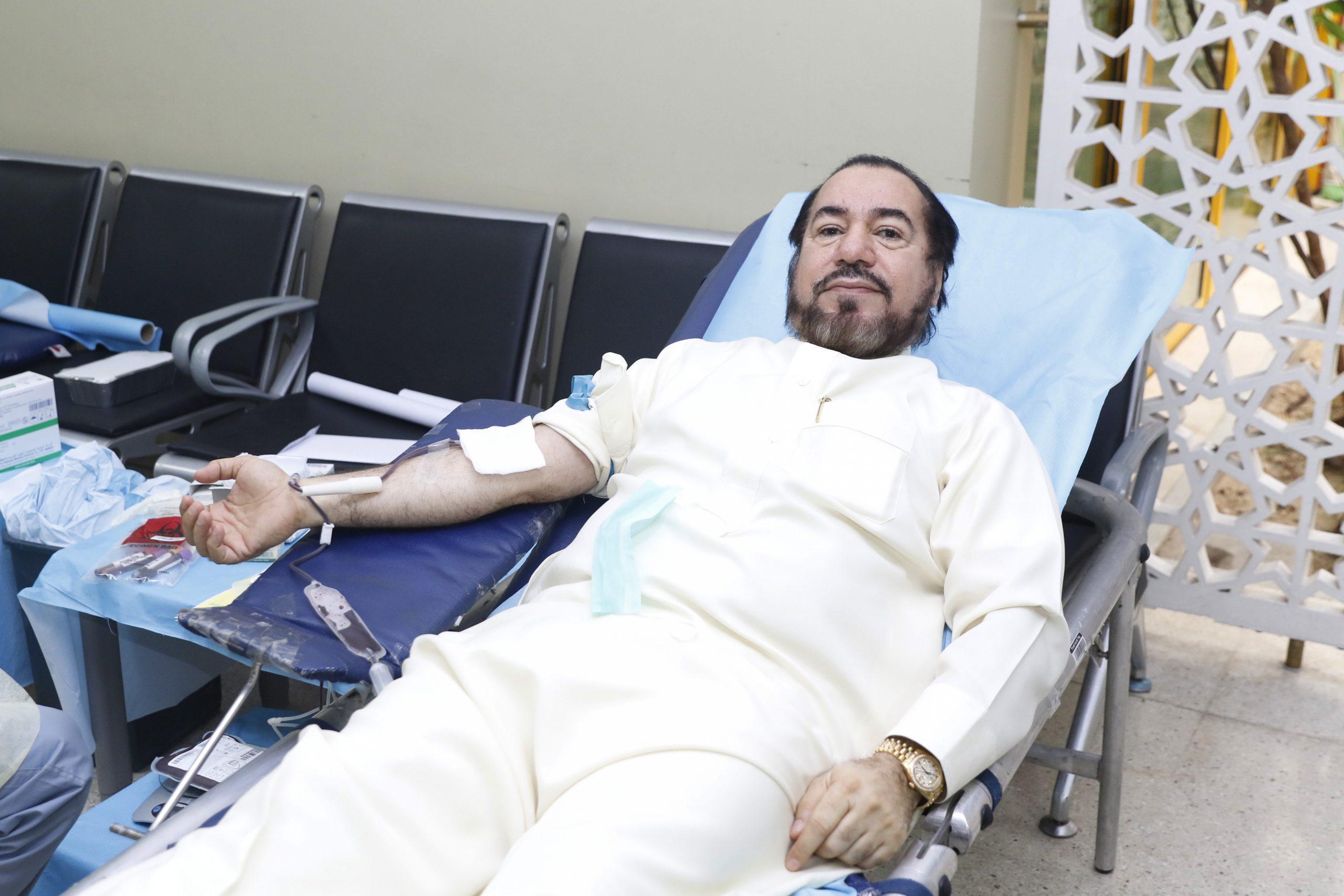 السيهاتي والباشا وأبو سرير يدعمون الدانة في يوم الإحسان والمتبرعون يقدمون ١٠٠ كيس دم
