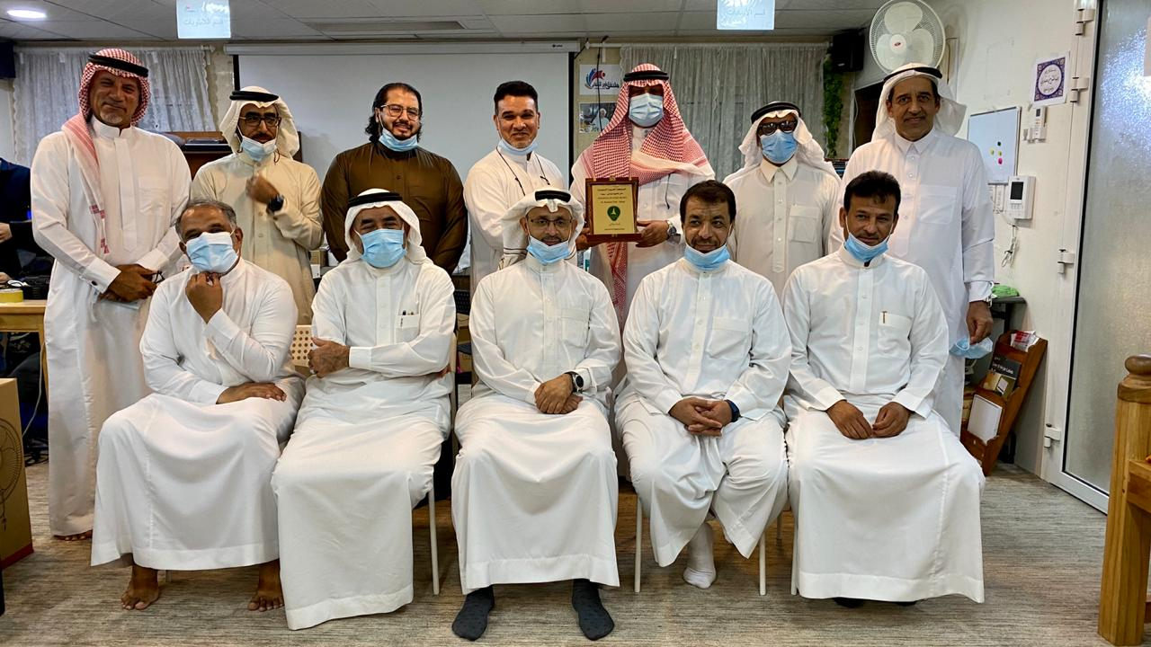 الخليج يتبنى مبادرة حاسب .. لكل .. طالب