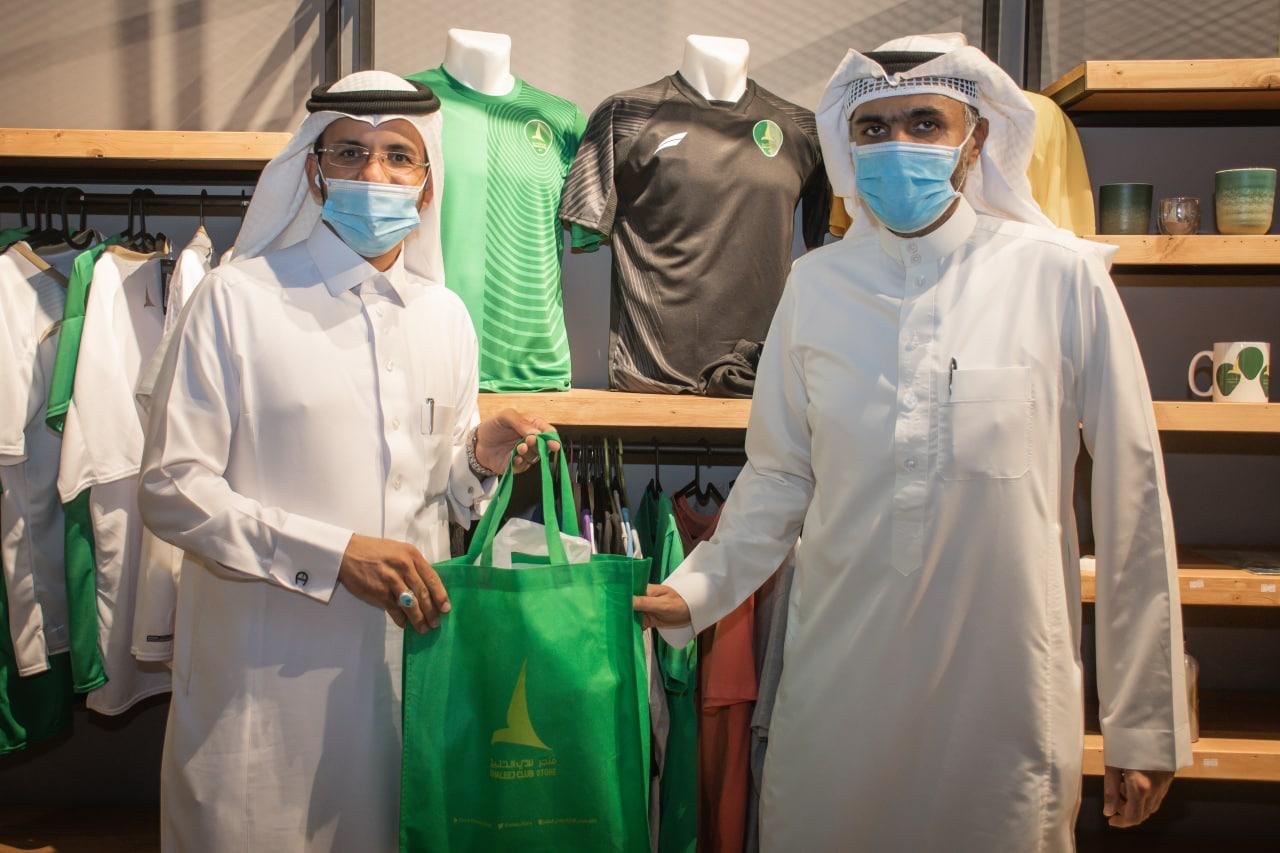 إدارة نادي الخليج ودراجي سيهات يوزعون جوائز مسابقة تحدي الخمسمائة كيلو متر
