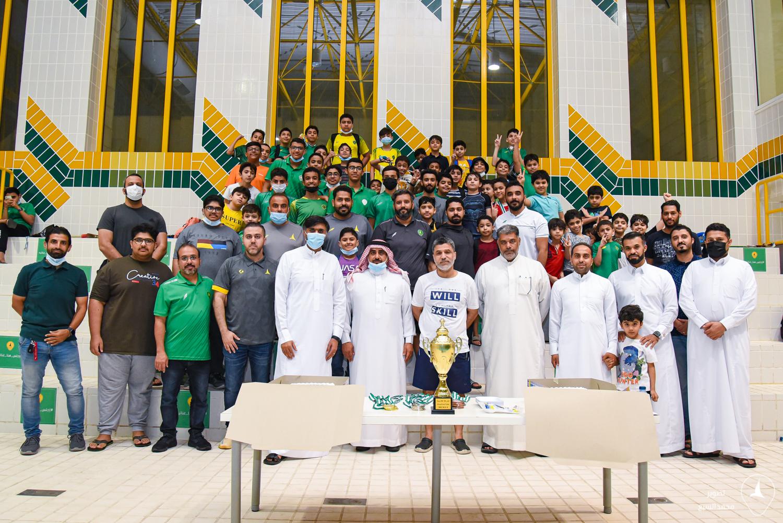 احتفى فريق السباحة بـ #نادي_الخليج بالأبطال المنجزين بحضور مجلس الإدارة